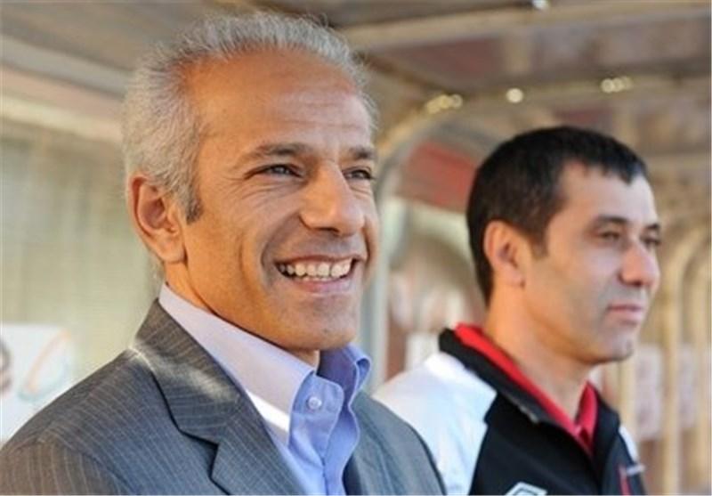 خاکپور: فدراسیون فوتبال «بیعرضه» است!