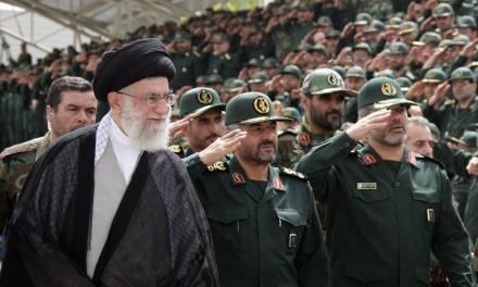 خامنهای: مخالف دیپلماسی نیستم، به 'نرمش قهرمانانه' معتقدم