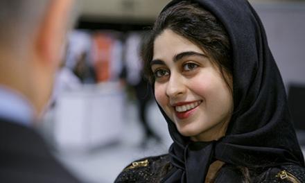 """سانسور دختری که همنام """"آیتالله خمینی"""" نیست"""