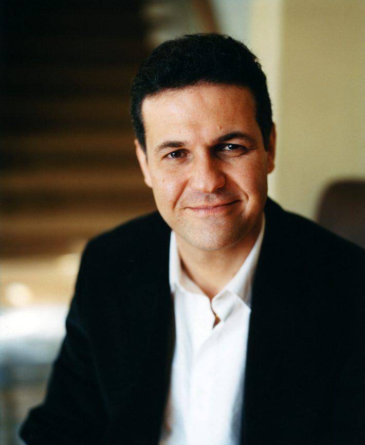 خالد حسینی: دیوان حافظ محبوبترین کتابِ کلّ عمرم است