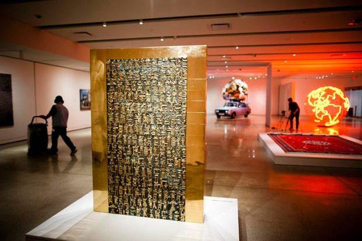 «پرسپولیس ۲» کار پرویز تناولی هنرمند مجسمهساز به مبلغ یکمیلیوندلار فروش رفت