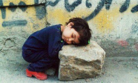 بگذار کودکان ما در خیابانها بخوابند