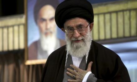 رویترز: آیتالله خامنهای یک امپراتوری ۹۵ میلیارد دلاری را کنترل میکند