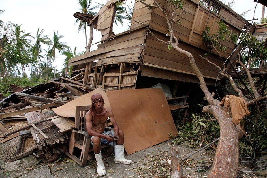 رئیس جمهوری فیلیپین آمار ده هزار کشته بر اثر توفان هایان را رد کرد
