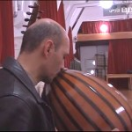 2013-12-09_0846-150x150 بوسهی وداع بهروزینیا با ساز بربط همراه با اشک