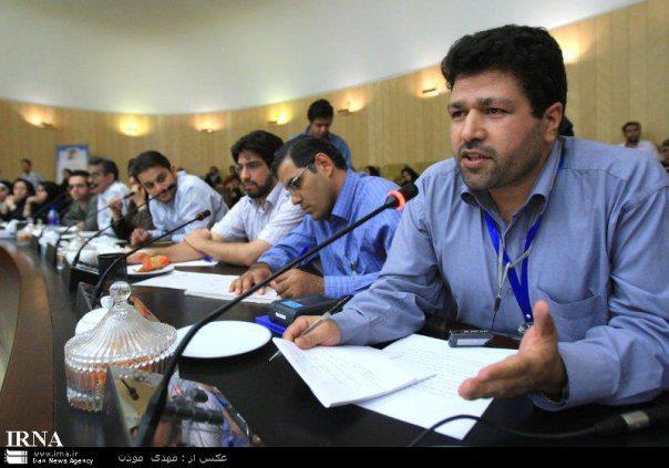دوئل سیاسی احمدینژاد و روحانی