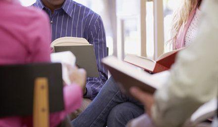 کتابخوانی جمعی در کتابخانههای نورت و وست ونکوور