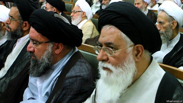 140530140405_alamolhoda_khatami_624x351_khamenei.ir