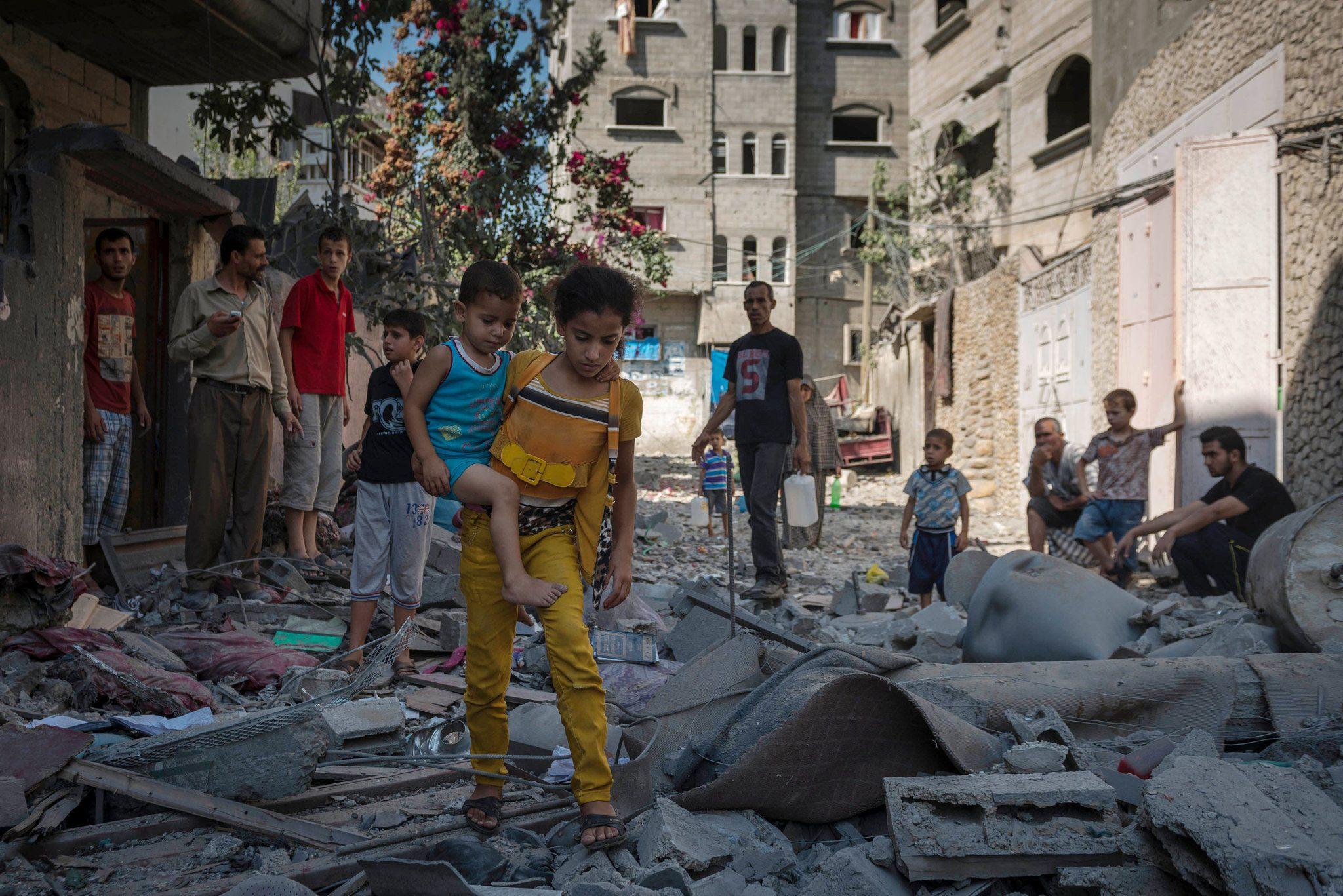 هنگام بمباران خانههایتان منزل نمانید تا آسیب نبینید!!