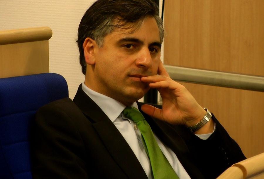 «همهی شهروندان ایران به مثابه یک ملت واحد باید از حقوق برابر برخوردار باشند»