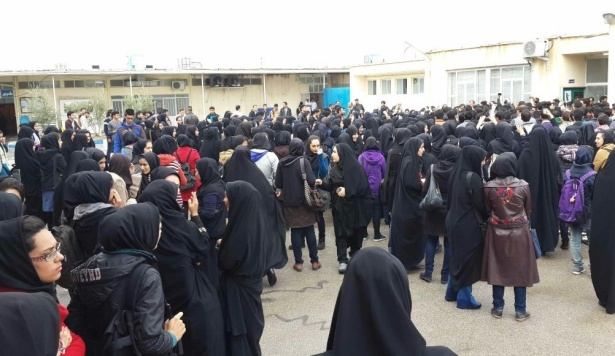 Jahrom-Women-Students-Attacked-615×356
