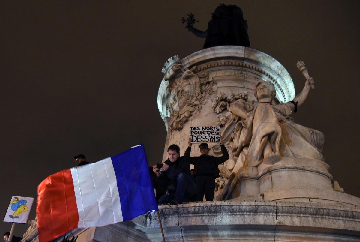 scenes-paris-terror-charlie-hebdo-offices
