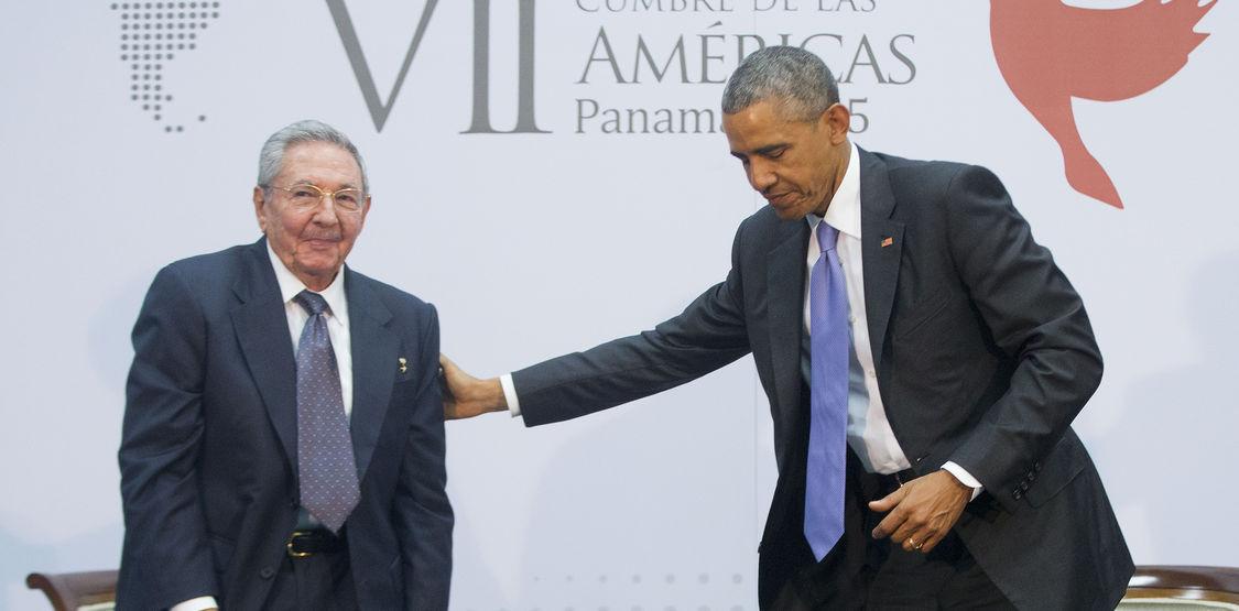 barack-obama-y-raul-castro-se-reunieron-cerca-de-una-hora