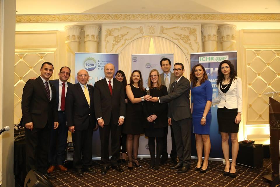 محمدعلی اولیائیفرد همراه با وکیل سوریهای برندگان جایزه حقوق بشر سال در کانادا شدند