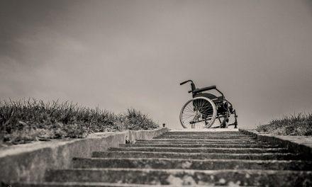 شعر آغازین: بوطیقای معلولیت
