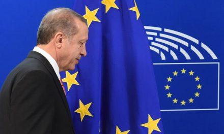 اردوغان دمکراسی اروپایی را تهدید میکند