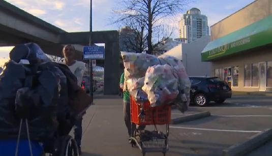 ونکوور به کلیشه منفی جمعکنندگان بطریهای خیابانی پایان میبخشد