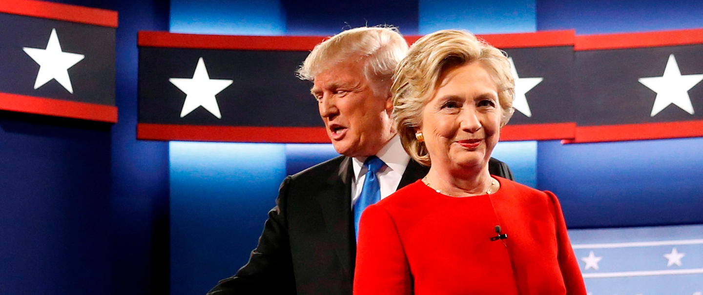 copy-of-trump-and-clinton-greet-one-another-as-they-take-the-stage-for-their-first-debate-at-hofstra-university-in-hempstead-new-york-us