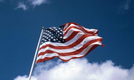 درود بر آمریکا! درود بر پرچم آمریکا!