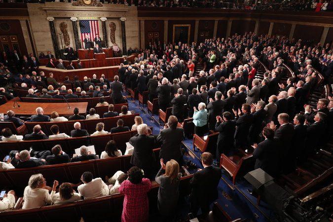 هرج و مرج تمام عیار در ساختار سیاسی آمریکا