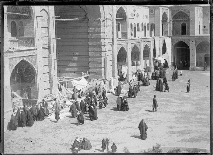 زنان در دارالخلافهی ناصری