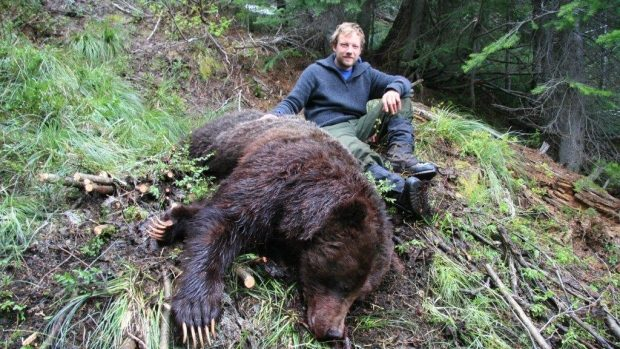 grizzly-hunter