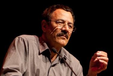 فرامرز پورنوروز شاعر و داستاننویس ساکن ونکوور است. آثار او در نشریات متنوع فرهنگی – ادبی خارج کشور منتشر شدهاست.