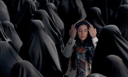 گفت و گوی کوتاه شهرگان با شادی امینی، صدای نسلی از خوانندههای جوان زن ایرانی