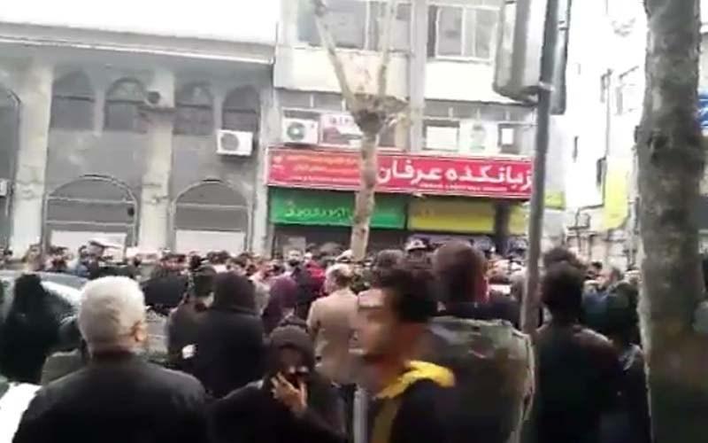 تظاهرات-مردم-رشت-جمعه-۸-دی