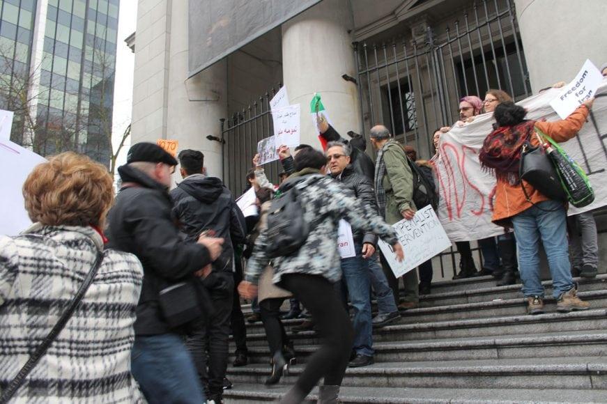 Photo-by-Mahin24 چگونه جنبش مردم در داخل ایرانبه خارج از کشور جان داد