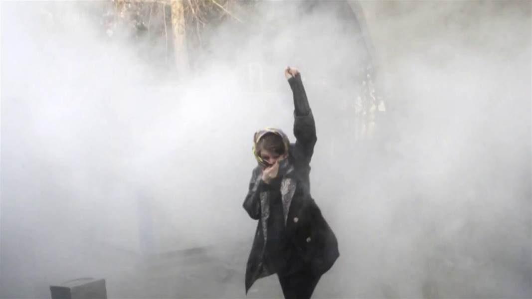 بیانیهی ۱۵۴ شاعر، نویسنده، هنرمند و فعال فرهنگی و اجتماعی در حمایت از تظاهرات سراسری مردم ایران