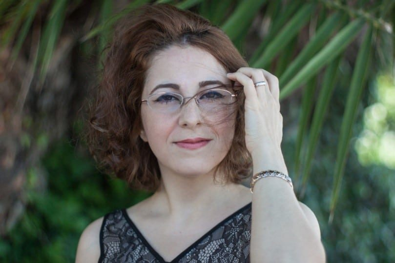 سه شعر از ساره سکوت همراه با صدای شاعر