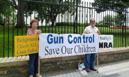 عشق آمریکایی به «اسلحه» و «قانون اساسی» کهنه