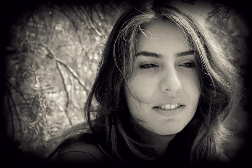 چند شعر از شیدا محمدی همراه با ویدیوی شعرخوانی شاعر