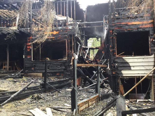 fire-north-vancouver-1 زن ایرانی و فرزند ۷ سالهاش در آتشسوزی آپارتمانی در نورت ونکوور سوختند