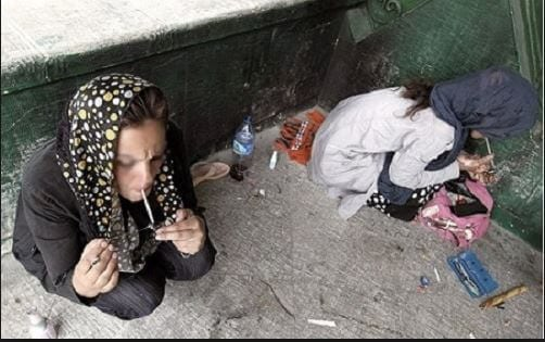 koodakan1 ایران در سراشیبی سقوط انسانیت