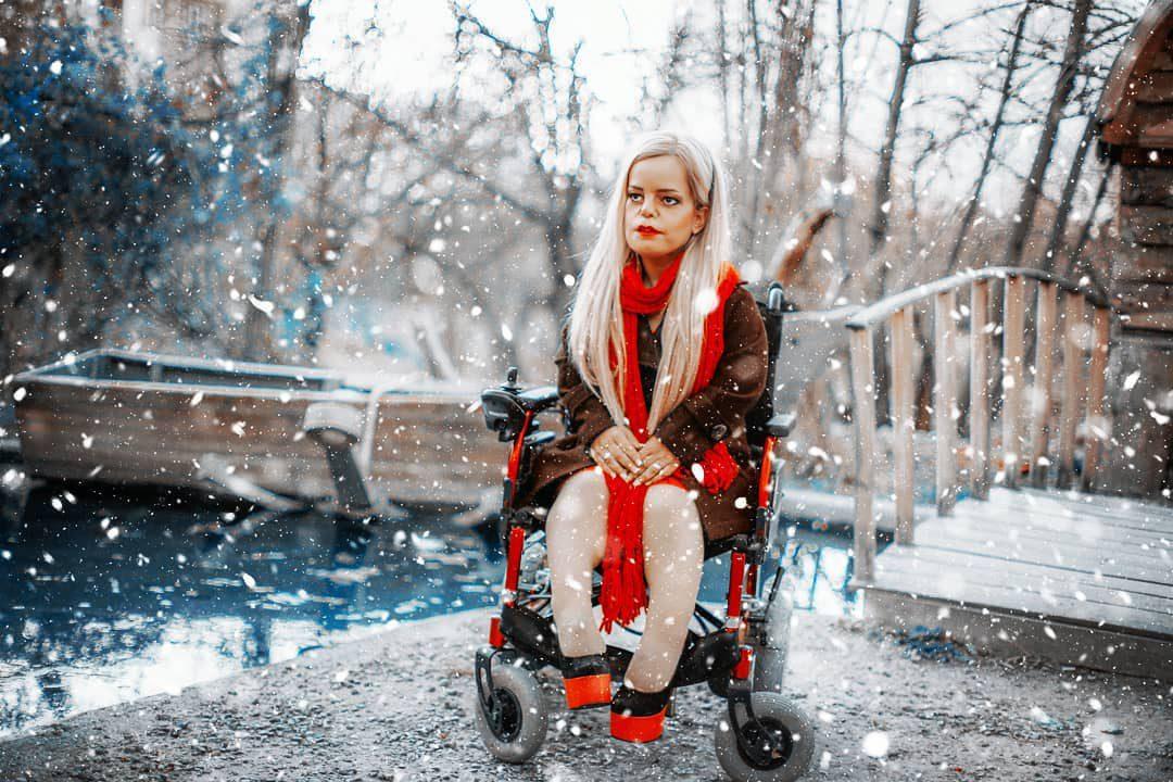 Manejeh-Rezaei33 دختر مریخی: من ابتدا یک زن هستم و بعد یک معلول!