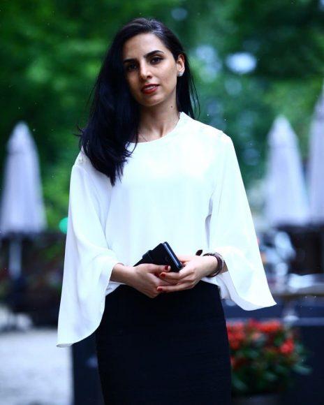 Fatemeh-Eghtesari فاطمه اختصاری؛ مهمان صفحهٔ قلمزن این هفته
