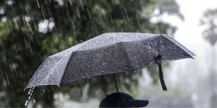 umbrella-rainfall-vancouver پس از هوای فوقالعاده آفتابی و خشک، باران بهقصد انتقام به ونکوور بازگشته است