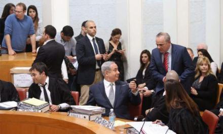 دولت ائتلافی نتانیاهو در آستانه سقوط