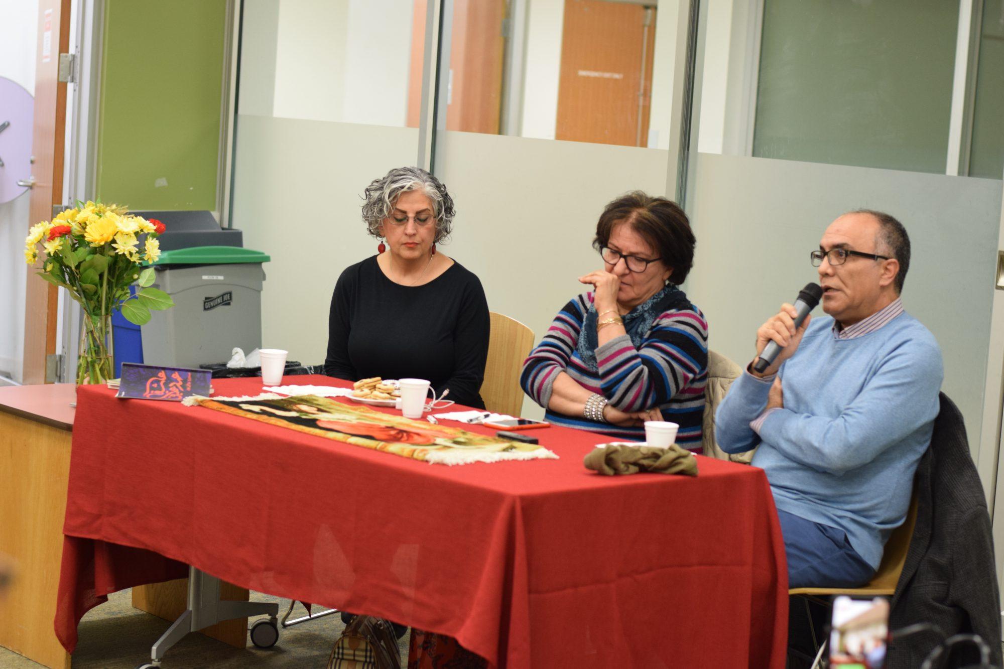 گزارشی کوتاه از برنامه نشست با منیرو روانیپور در ونکوور