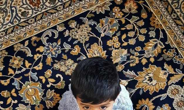مهاجرت و تربیت فرزند دوزبانه : چالشها و راهکارها