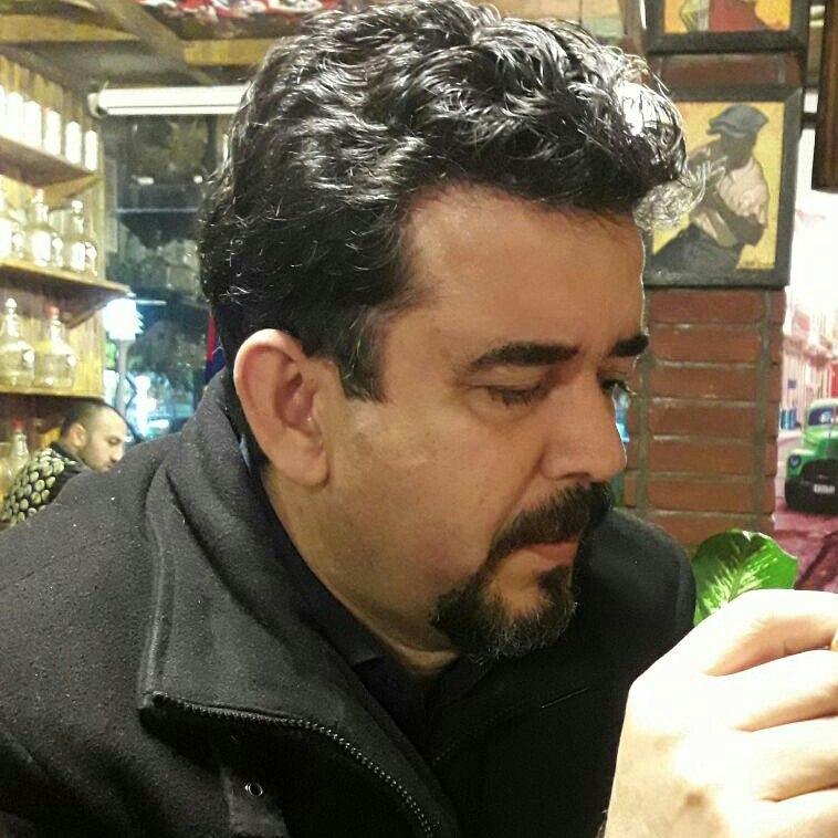 گفتگویی اختصاصی شهرگان با دکتر حسن صادقیپناه شاعر و مترجم
