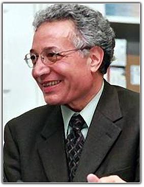 Karimi-Hakkak4 در ستایش نمایش «شاعر نقرهای»
