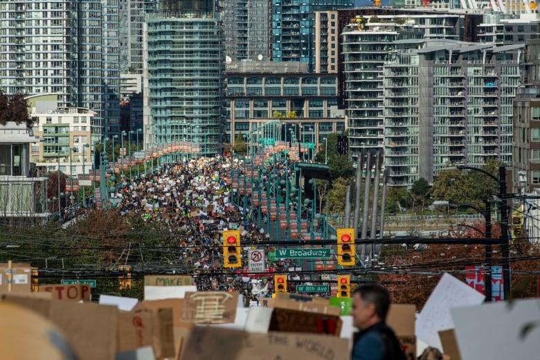 01115 راهپیمایی اعتراضی تغییر آب و هوایی در ونکوور با شرکت گرتا تونبرگ