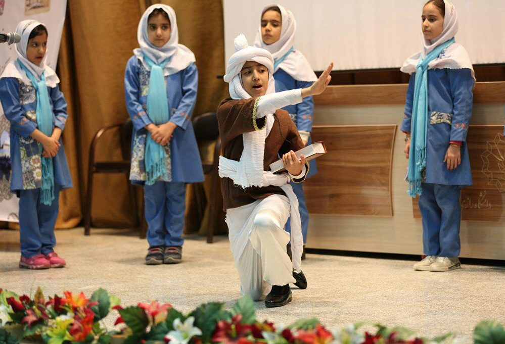 "IMG-20190923-WA0015 ""فرزندان فردوسی""طرحی نو با هدف آشنایی دانشآموزان، با شعر و اندیشهی فردوسی"