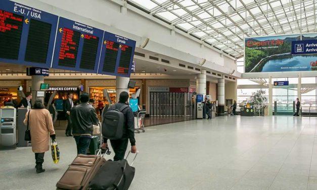 کانادا مرزهای خود را به روی مسافران خارجی میبندد