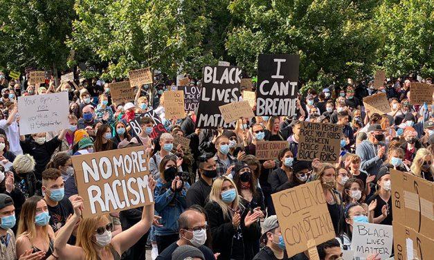 حضور گسترده مردم در ونکوور در اعتراض به مرگ جورج فلوید